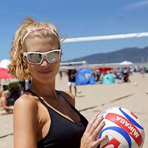These Fun And Festive Co Ed Doubles Events Which Feature 200 Teams Are Held At Soro Beach Santa Monica Have Been
